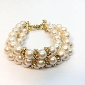 VINTAGE RICHELIEU 3 Stand Pearl Bracelet